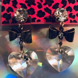 Crystal heart bow earrings vintage Betsey Johnson